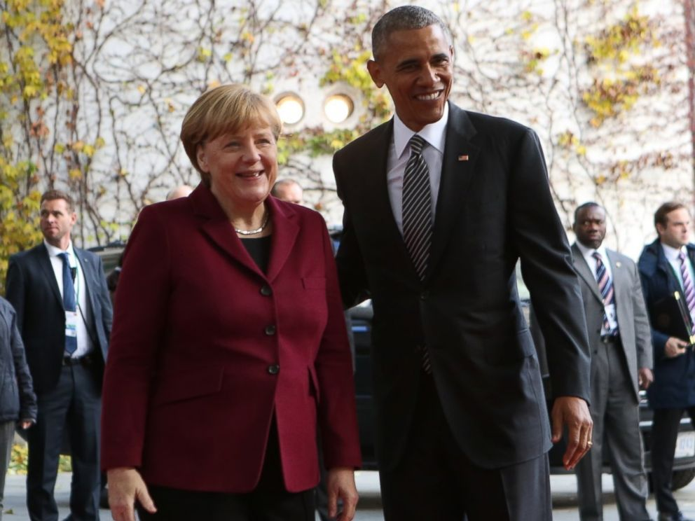 PHOTO: American President Barack Obama and Federal Chancellor Angela Merkel on the red carpet in front of the Federal Chancellery, Berlin, Germany, Nov. 11, 2016.