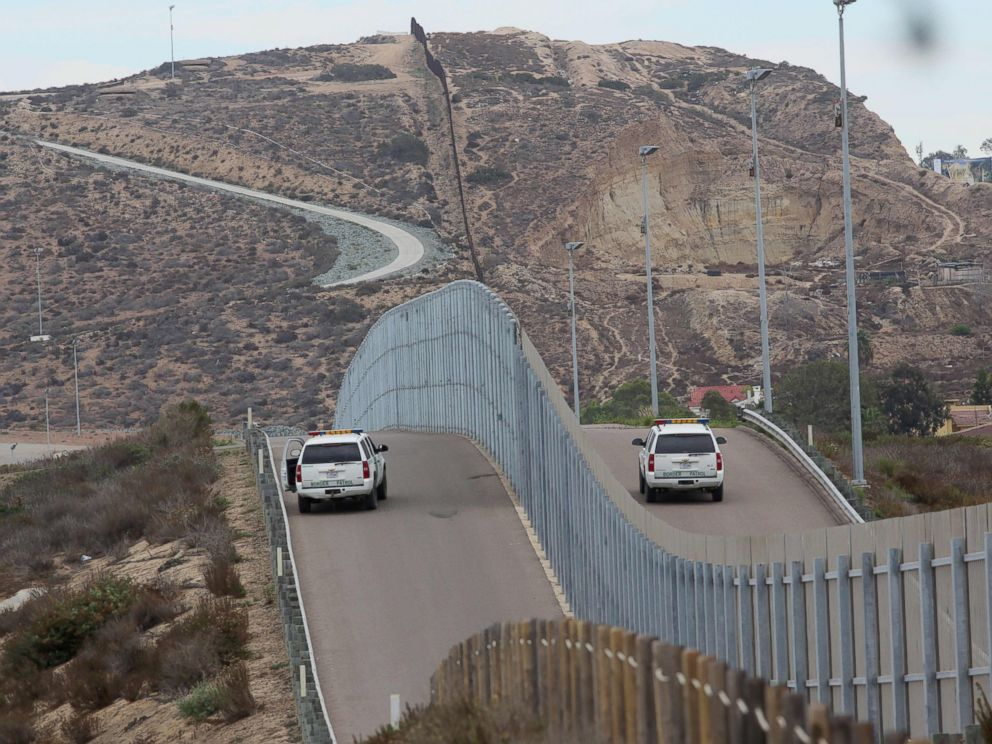 PHOTO: Border Patrol agents patroling the United States-Mexico Border wall during Opening the Door Of Hope/Abriendo La Puerta De La Esparana, at Friendship Park in San Ysidro, Calif., on Nov. 19, 2016.