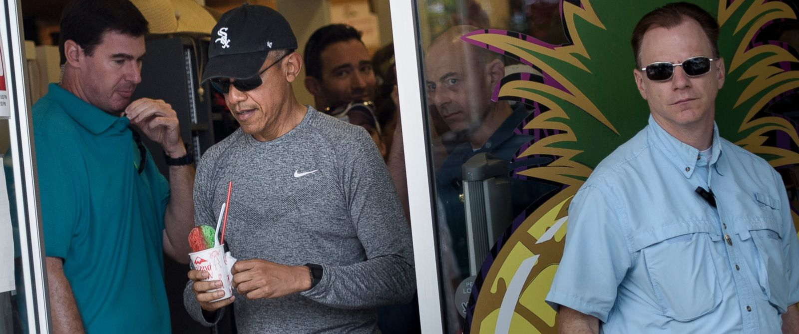 obama 39 s final hawaiian vacation as president abc news