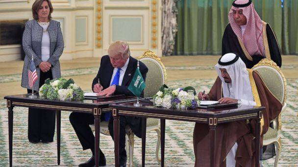 PHOTO: President Donald Trump (L) and Saudi Arabia's King Salman bin Abdulaziz al-Saud take part in a signing ceremony at the Saudi Royal Court in Riyadh, May 20, 2017.