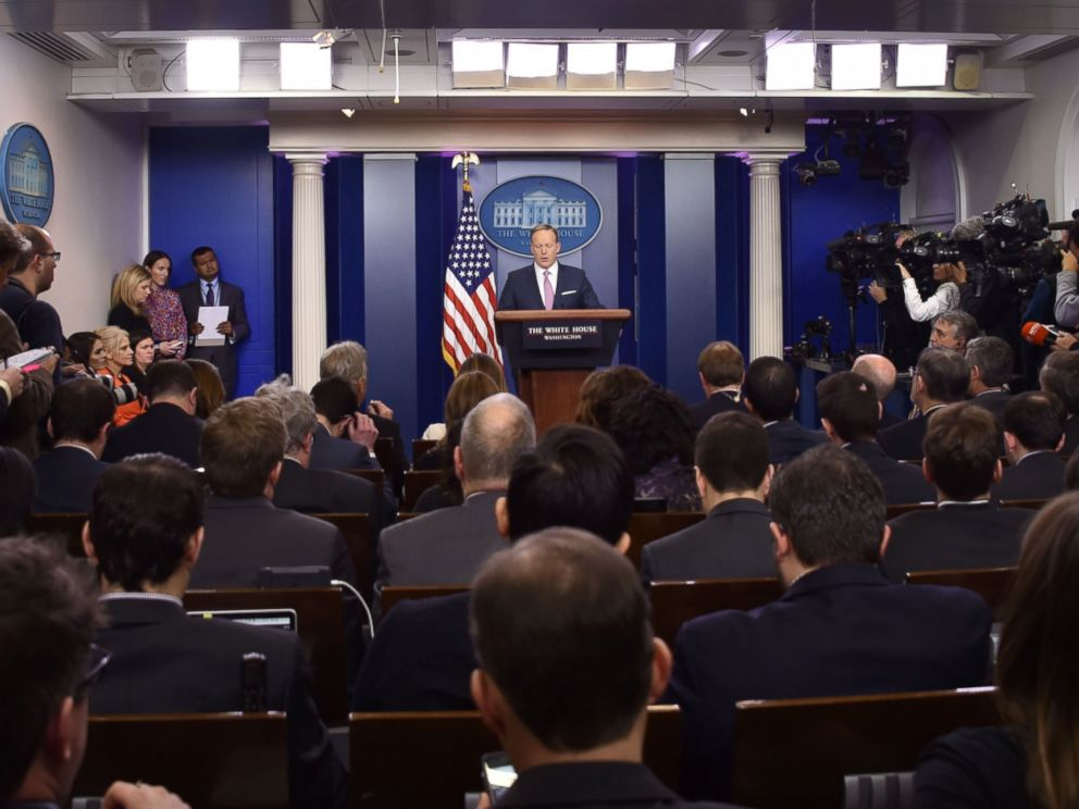 PHOTO: White House Press Secretary Sean Spicer holds the daily press briefing, Jan. 23, 2017, at the White House in Washington.