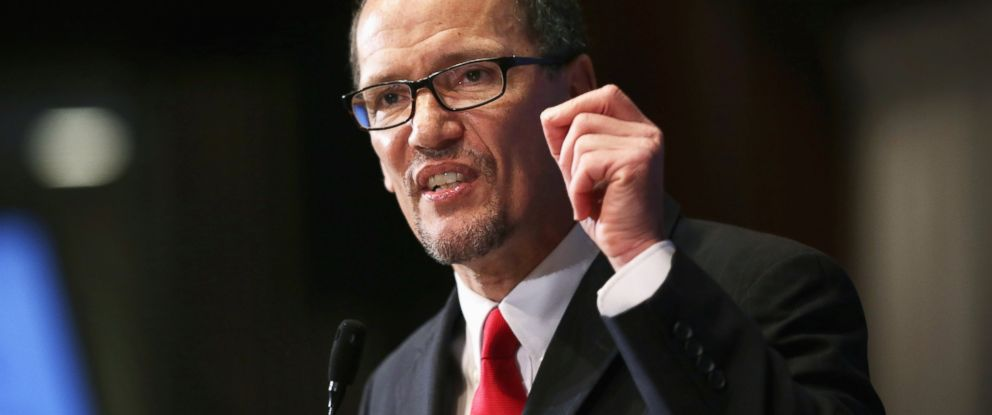 PHOTO: Labor Secretary Thomas Perez speaks during a National Press Club luncheon, Oct. 20, 2014 in Washington, D.C.