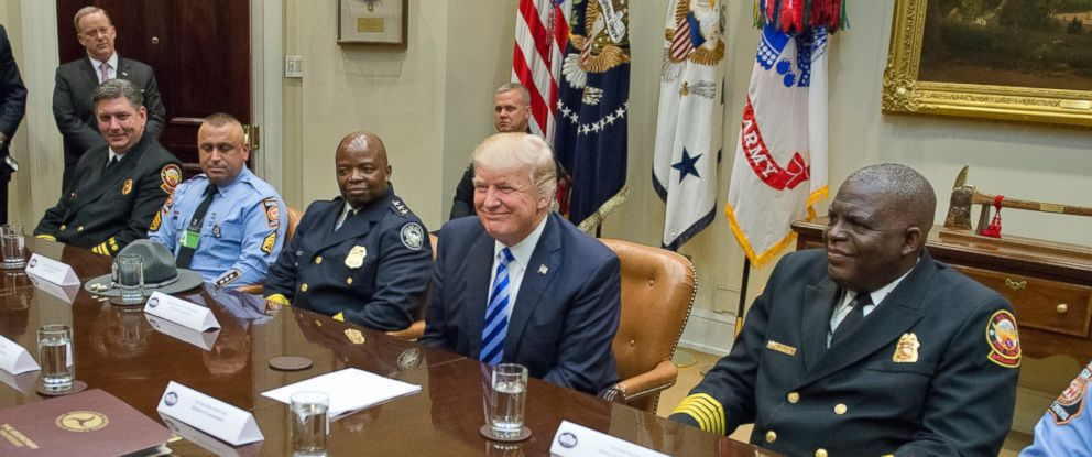 PHOTO: President Donald Trump meets with the Atlanta, I-85 bridge first responders in the Roosevelt Room of the White House, April 13, 2017, in Washington.
