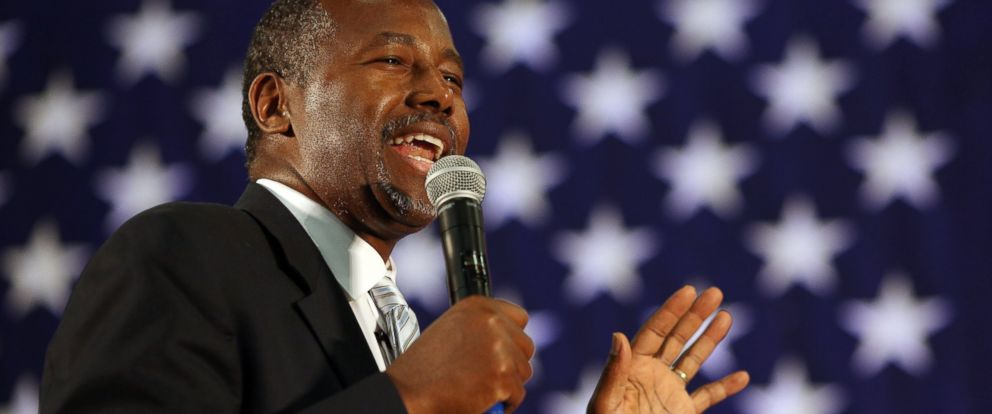 PHOTO: Ben Carson, 2016 Republican presidential candidate, speaks during a rally at Spring Arbor University in Spring Arbor, Mich., Sept. 23, 2015.