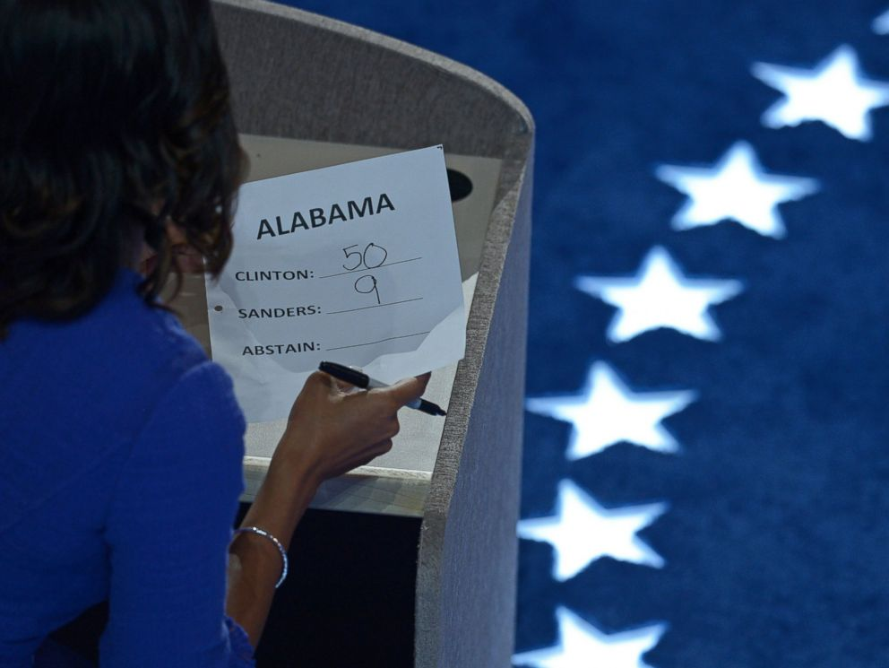 PHOTO: A staffer tallies the vote of the Alabama delegation during the roll call on Day 2 of the Democratic National Convention in Philadelphia, July 26, 2016.