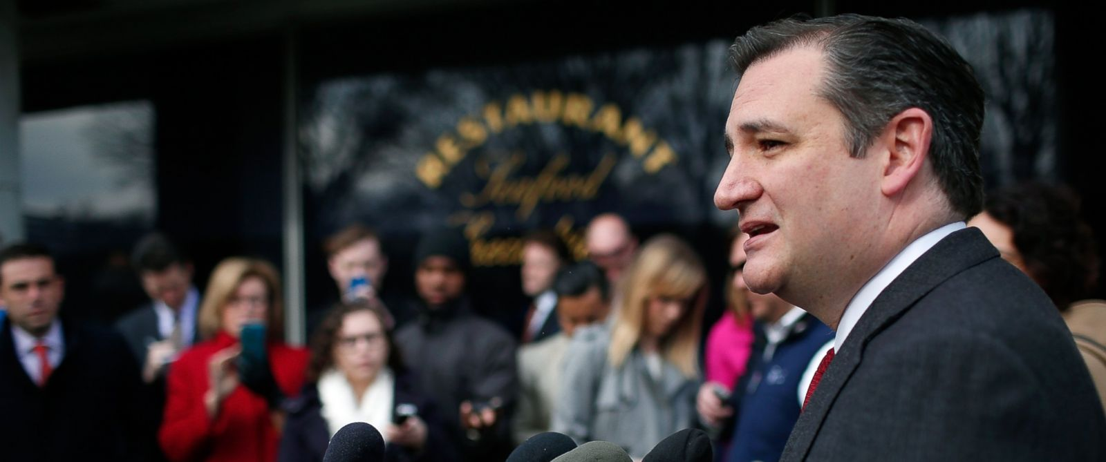 PHOTO: Republican presidential candidate Sen. Ted Cruz (R-TX) addresses the bombings in Brussels during remarks on March 22, 2016 in Washington.