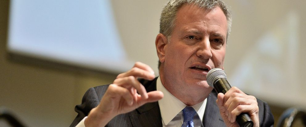 PHOTO: New York Mayor Bill DiBlasio speaks at Municipal Strategies for Financial Empowerment, March 22, 2015 in Boston.