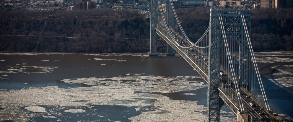PHOTO: The George Washington Bridge, which connects Fort Lee, NJ, and New York City, is seen on January 9, 2014 in Fort Lee, New Jersey.
