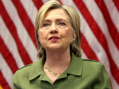 Clinton to Receive 1st Classified Briefing of Campaign