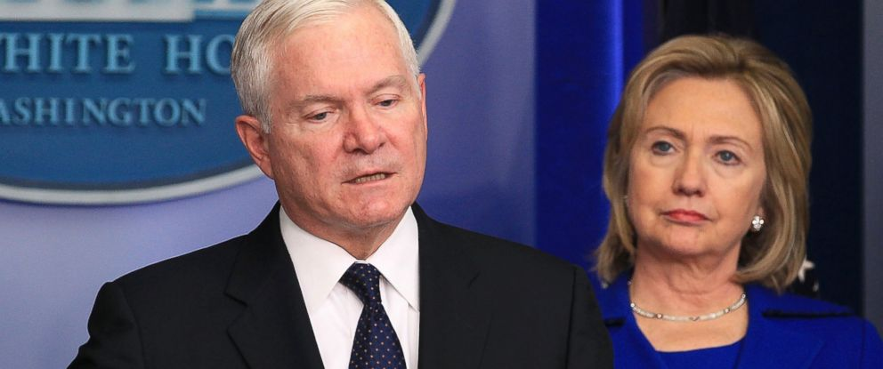 PHOTO: Secretary of Defense Robert Gates and then Secretary of State Hillary Clinton speak to reporters about the administrations Afghanistan-Pakistan annual review in the Brady Press Briefing Room at the White House, Dec. 16, 2010 in Washington.
