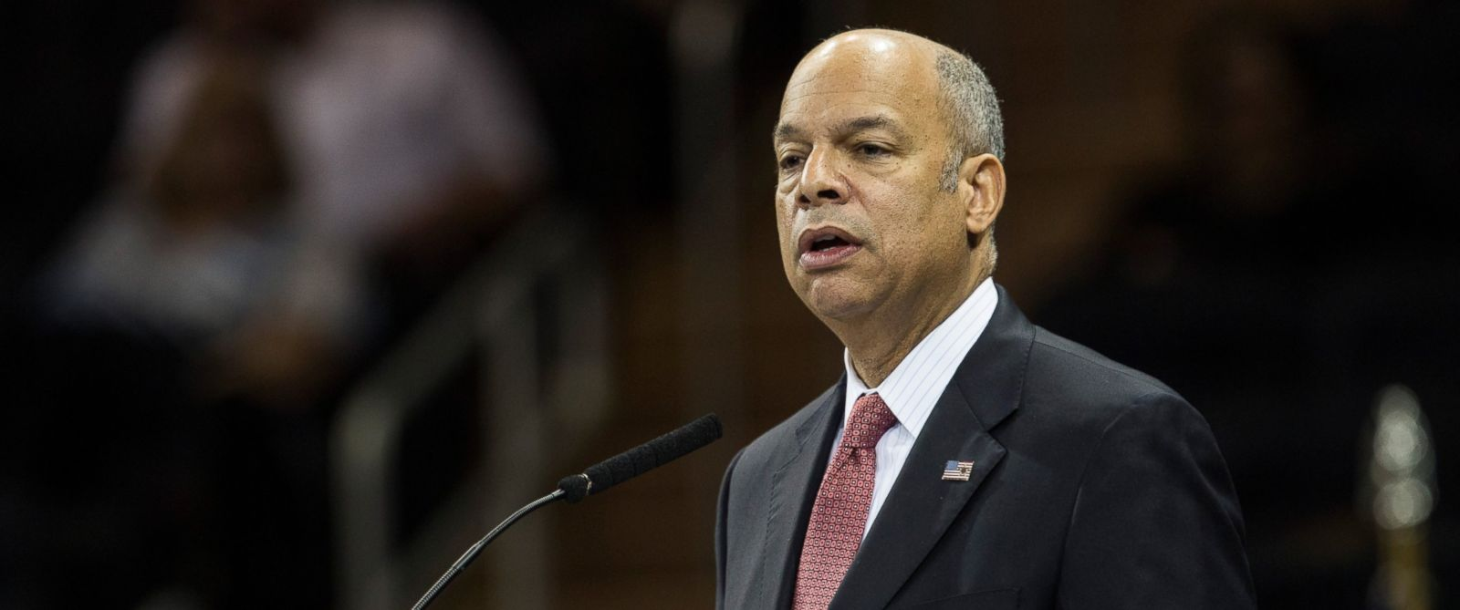 PHOTO: Department of Homeland Security Chief Jeh Johnson speaks, Dec. 29, 2015 at Madison Square Garden in New York.