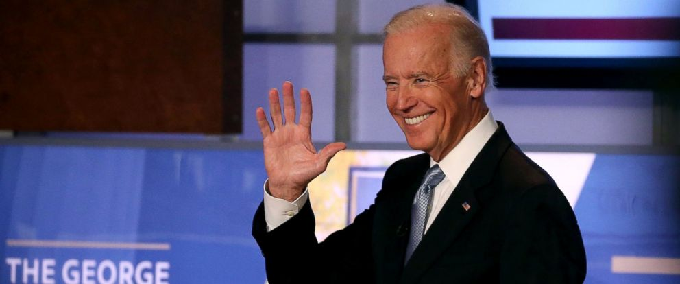 PHOTO: Vice President Joe Biden waves as he arrives at an event at George Washington University, Oct. 20, 2015, in Washington.