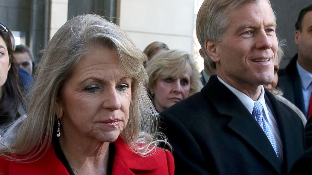 PHOTO: Former Virginia Gov. Bob McDonnell and his wife, Maureen leave the US District Court for the Eastern District of Virginia, Jan. 24, 2014, in Richmond, Va.