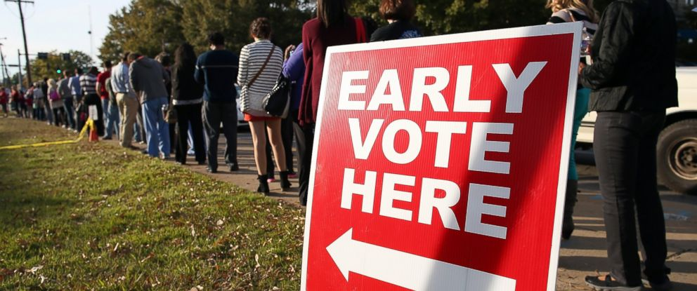PHOTO: People line up for early voting outside of the Pulaski County Regional Building, Nov. 3, 2014 in Little Rock, Ark.