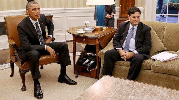 http://a.abcnews.com/images/Politics/GTY_obama_klain_jef_141022_16x9_608.jpg