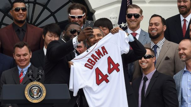 GTY obama red sox mar 140401 16x9 608 Big Papi Snaps Obama Selfie of the Other Sox