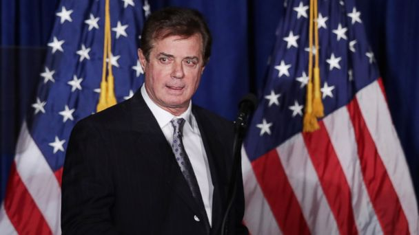 PHOTO: Paul Manafort checks the teleprompters before Trump's speech at the Mayflower Hotel, April 27, 2016 in Washington.