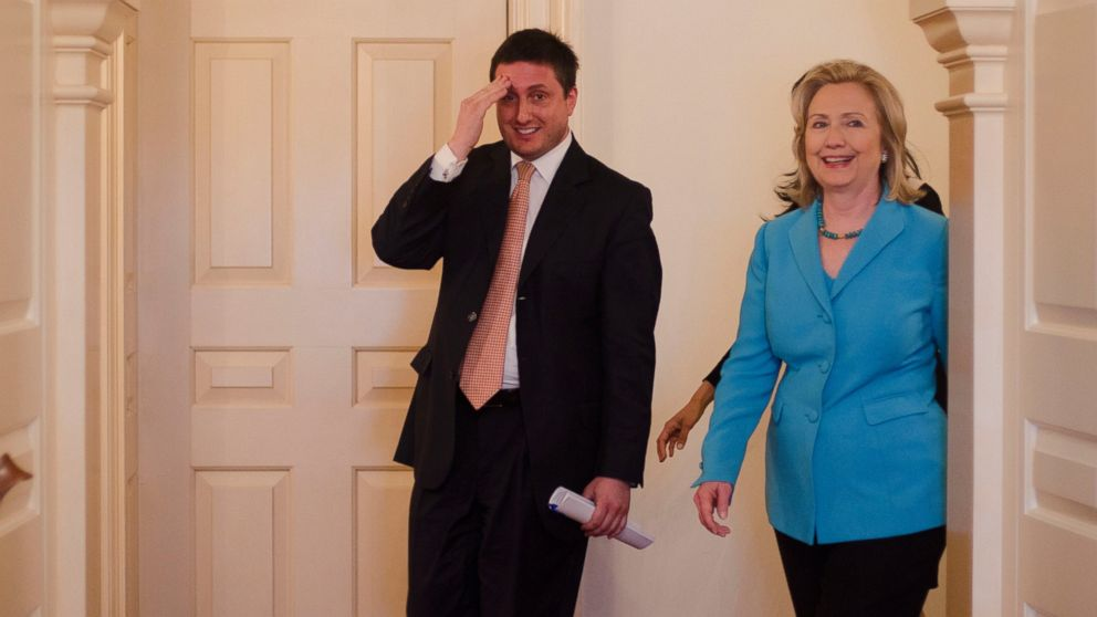 http://a.abcnews.com/images/Politics/GTY_philippe_reines_hillary_clinton_jt_160924_16x9_992.jpg