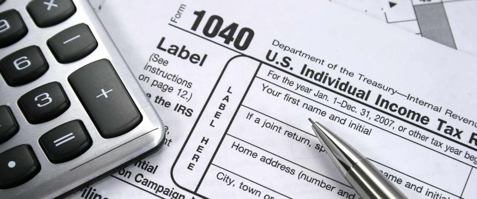 PHOTO: The deadline to file taxes is midnight on April 15.