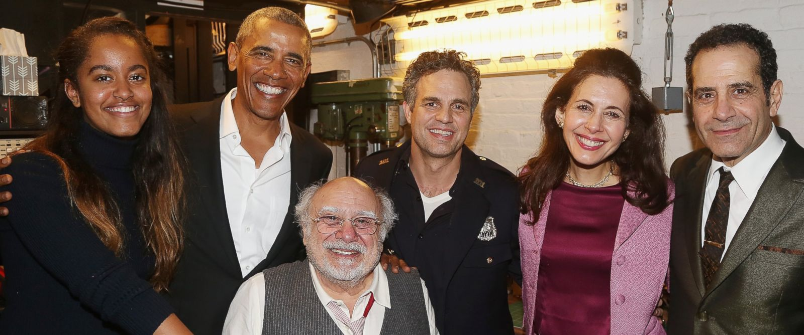 "PHOTO: Malia Obama, Barack Obama, Danny DeVito, Mark Ruffalo, Jessica Hecht and Tony Shalhoub backstage at The Roundabout Theatre Companys production of ""Arthur Millers The Price"" on Broadway at The American Airlines Theatre on February 24, 2017, NYC."