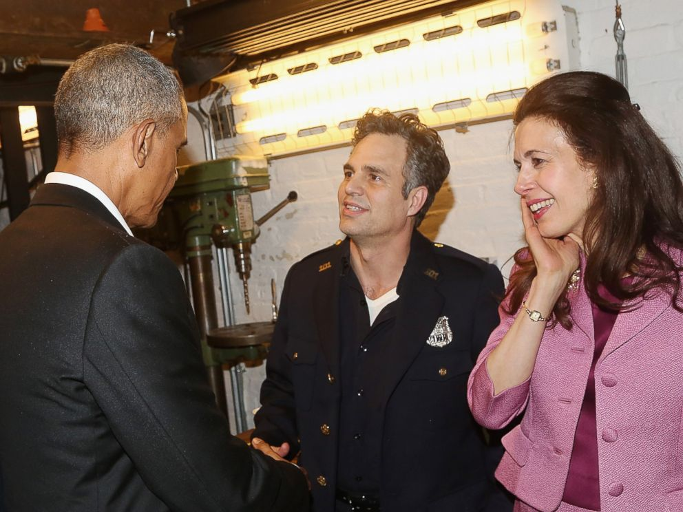 PHOTO: Barack Obama, Mark Ruffalo, and Jessica Hecht chat backstage at The Roundabout Theatre Companys production of Arthur Millers The Price on Broadway at The American Airlines Theatre on February 24, 2017 in New York City.