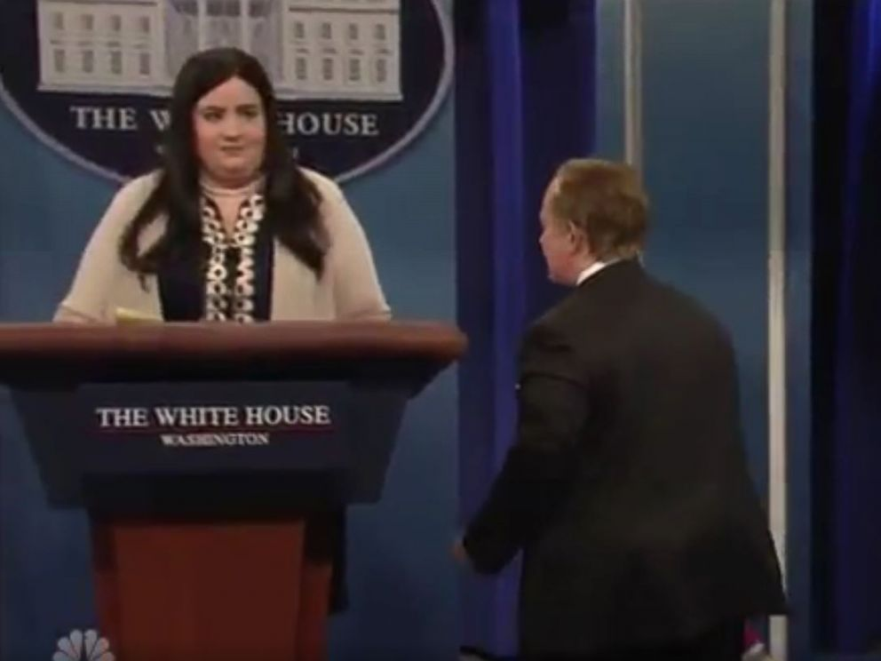 PHOTO: SNL cast member Aidy Bryant as deputy White House press secretary Sarah Huckabee Sanders (left) and Melissa McCarthy as Sean Spicer on Saturday Night Live on May 13, 2017.