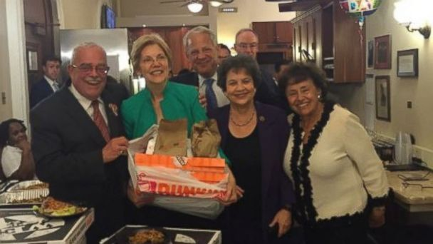 PHOTO: Senator Elizabeth Warren (D-MA) stocks up on pizza and donuts for the democratic-led protest on gun control in Washington D.C. June, 23, 2016.