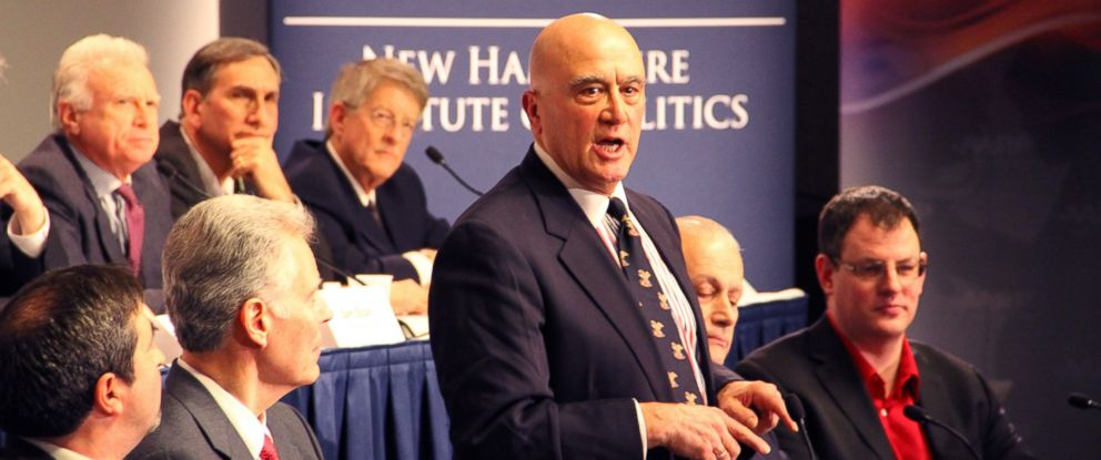 """PHOTO:18 Democrats debate at the """"Lesser-Known Candidate Forum"""" in Manchester, N.H."""