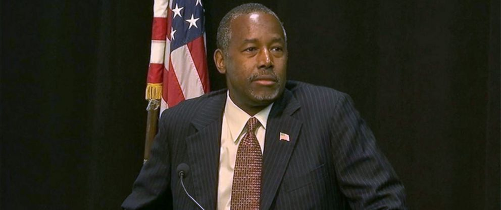 PHOTO: Ben Carson holds a press conference, Sept. 22, 2015.