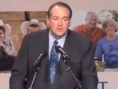 In Iowa, Mike Huckabee Drops Serious Hints to Supporters About 2016