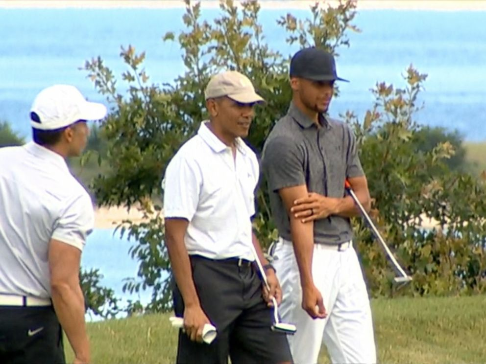 PHOTO: President Obama played golf with Stephen Curry in Marthas Vineyard, Massachusetts, Aug. 8, 2016.