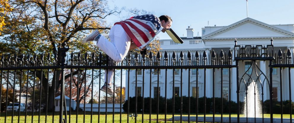 PHOTO: White House fence jumper, Joseph Caputo scaled over the north fence line of the White House Complex gaining access to the North Grounds, Nov. 26 2015.