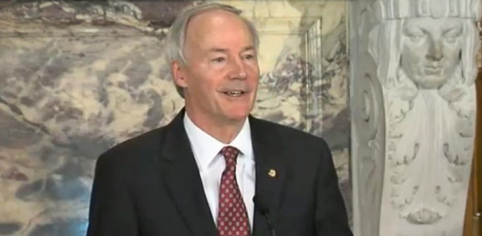 PHOTO: Arkansas Gov. Asa Hutchinson holds a press conference, April 1, 2015, in response to the Religious Freedom Act.