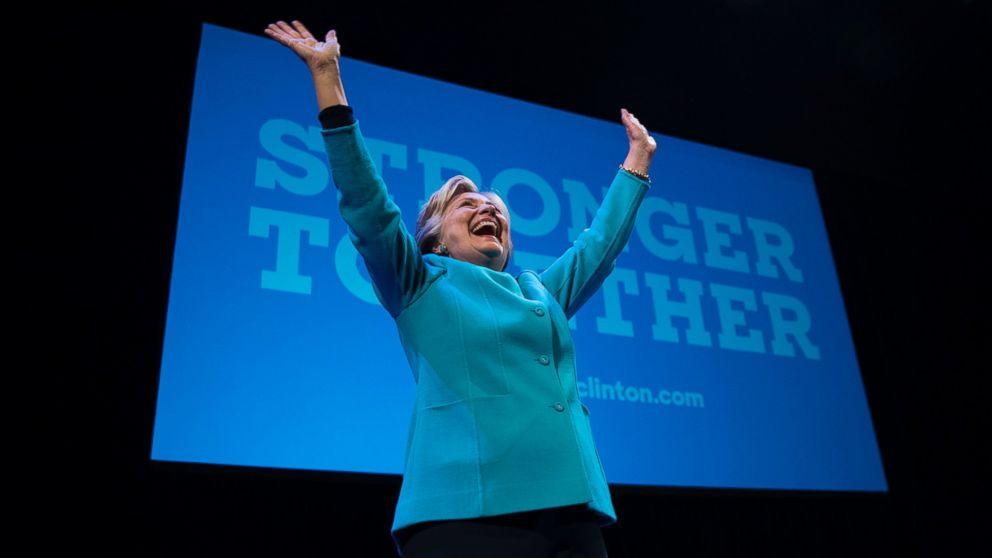 http://a.abcnews.com/images/Politics/RD_Clinton_Fundraiser_jrl_161025_16x9_992.jpg