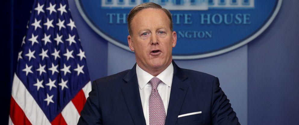 PHOTO: White House spokesman Sean Spicer holds a press briefing at the White House in Washington, Jan. 23, 2017.