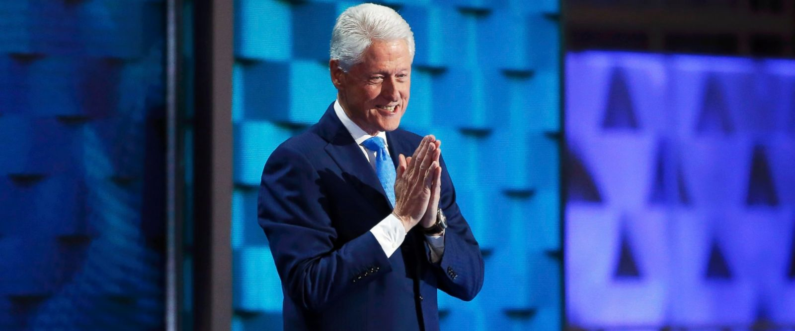 bill clinton dnc speech example Bill clinton's speech was sweet t hat girls now know that they can do anything has been a frequent refrain of the democratic national convention in the spring of 1971, bill clinton opened his speech, i met a girl.