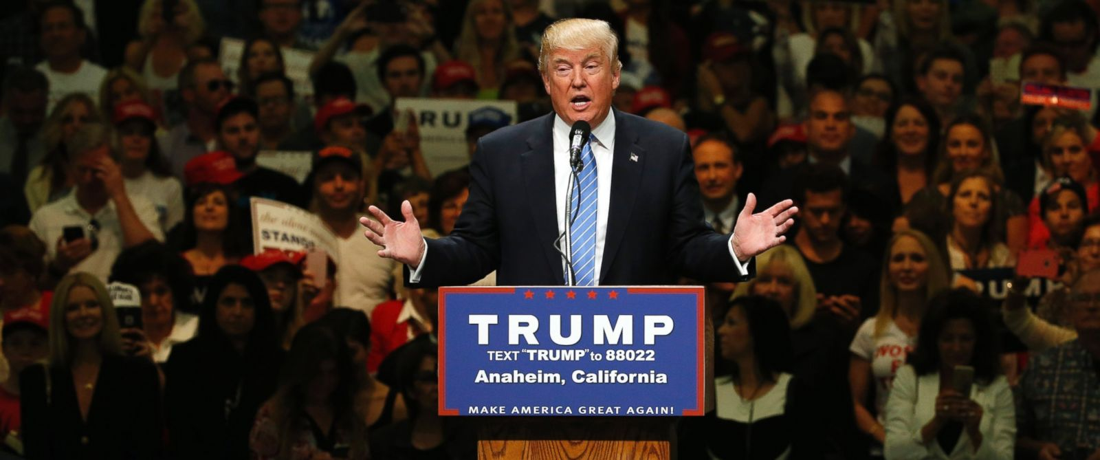 PHOTO: Republican U.S. presidential candidate Donald Trump holds a rally with supporters in Anaheim, Calif., May 25, 2016.