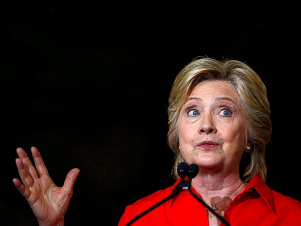 Clinton Calls on Americans to 'Stand With' Parents of Muslim U.S. Soldier