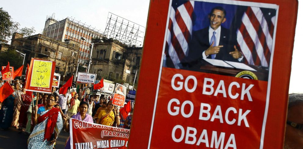 PHOTO: Activists from Communist Party of India-Marxist (CPI-M) hold placards and shout slogans during a protest against President Barack Obamas visit to India, in Kolkata, Jan. 24, 2015.
