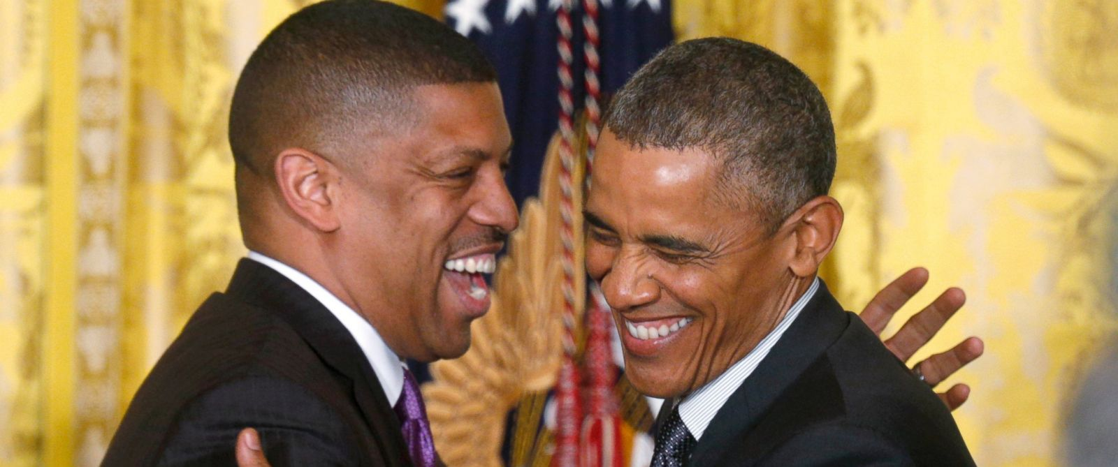 Watch Kevin Johnson Introduce President Obama to Chicago ...