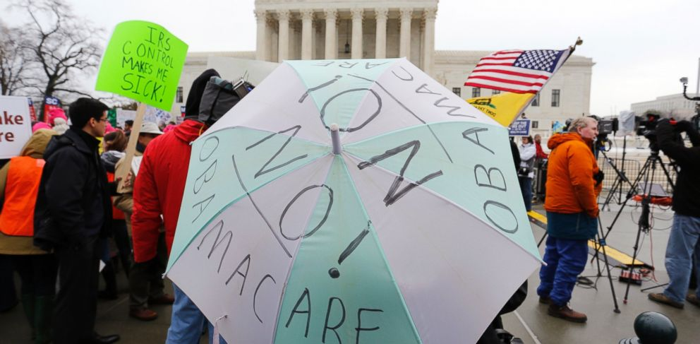 PHOTO: Anti-Obamacare demonstrators affiliated with the Tea Party Patriots demonstrate at the Supreme Court building in Washington, March 4, 2015.