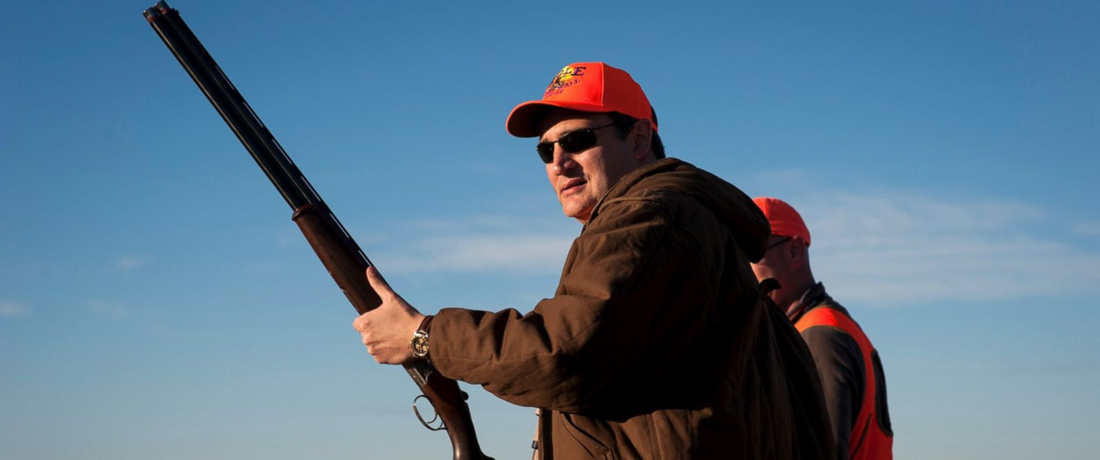 PHOTO:Republican presidential candidate Sen. Ted Cruz pauses before heading further down field during the Col. Bud Day Pheasant Hunt hosted by Congressman Steve King outside of Akron, Iowa, Oct. 31, 2015.