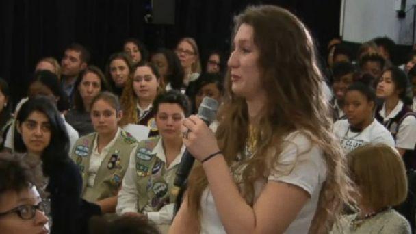 abc Nova Bajamonti kb 140418 16x9 608 Teenager Tearfully Confesses Undocumented Status To Hillary Clinton