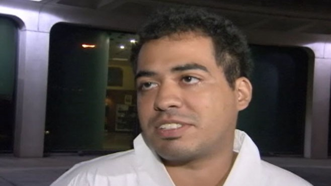 VIDEO: Juan Rodriguez was arrested after streaking at an Obama rally to win $1 million.