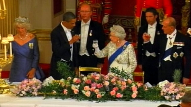 VIDEO: Obama's Toast to Queen Turns Awkward