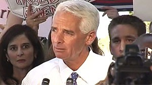 Photo: Florida Gov. Charlie Crist Announces Senate Run as Independent: Crist, Facing Conservative Primary Opponent, Quits GOP