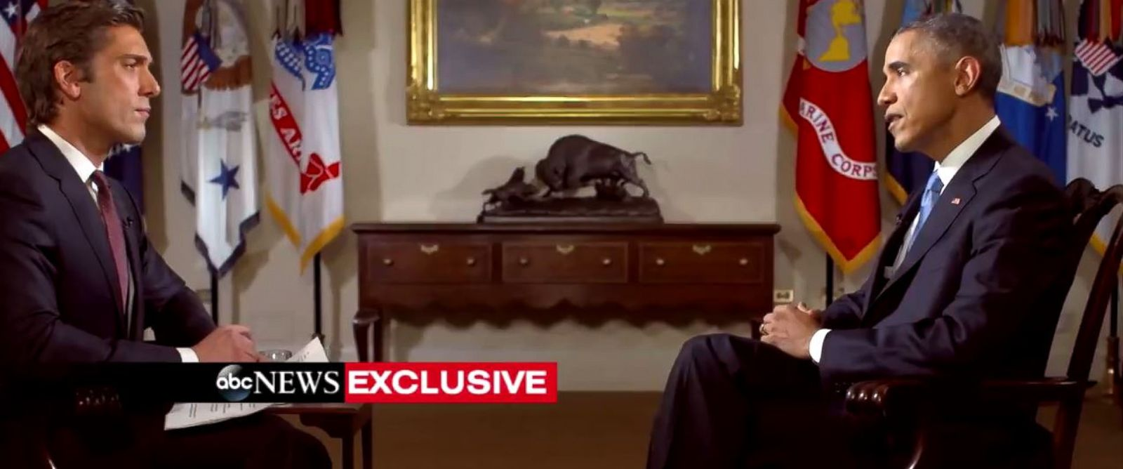 PHOTO: ABCs David Muir speaks with President Barack Obama on Dec. 17, 2014.