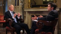 PHOTO: George Stephanopoulos interviews Senate Majority Leader Harry Reid.