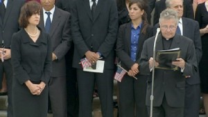 VIDEO: Kenndy joined by Washington supporters to pray for Ted.