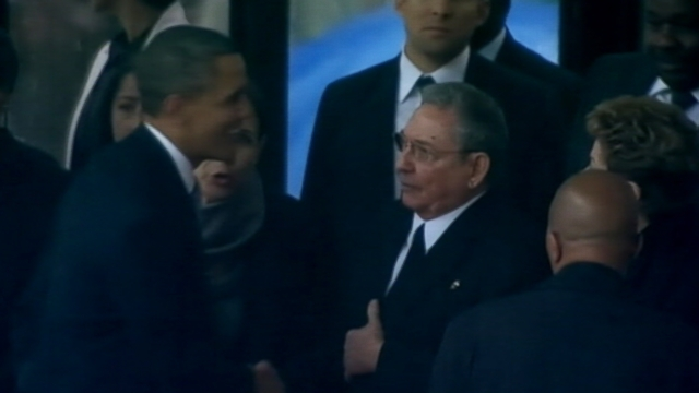 VIDEO: President Obama shook the Cuban presidents hand while greeting other world leaders.